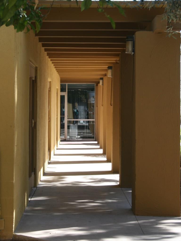 hotel hallway IMG_3169 peoria flash fiction prompt comp