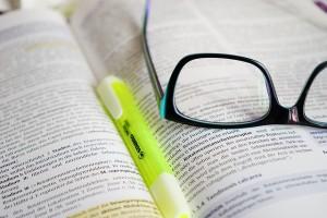 reading glasses-272399_640