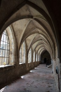 foreshadowing cloister-102491_640