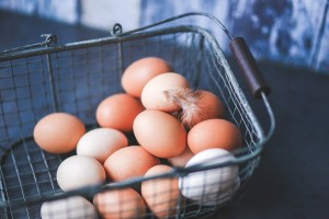 amazon affiliate basket eggs-791463_960_720