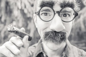 writing snark moustache cigar-362183_960_720