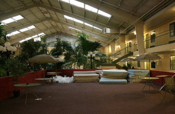 elk city hotel flash fiction prompt copyright KS Brooks